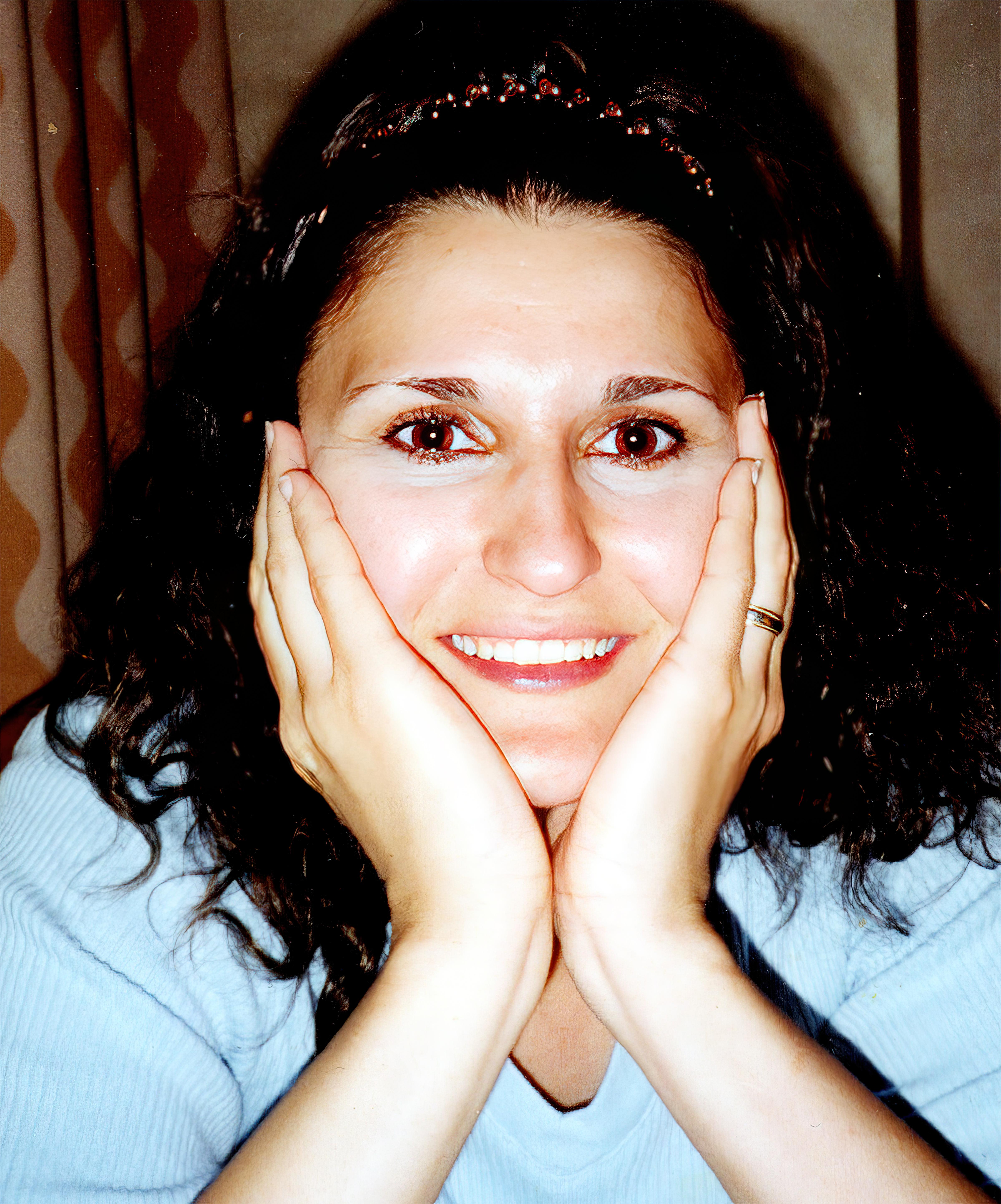 Janna Swenie, Happy in Blue